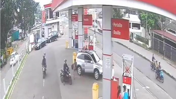 Pencurian di pom bensin