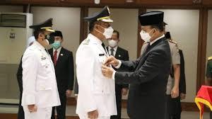 Gubernur DKI Jakarta Anies Baswesdan saat melantik tujuh perjabat Eselon 2 di lingkungan Pemprov DKI